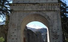 Arco di Augusto 9-8 a.C.